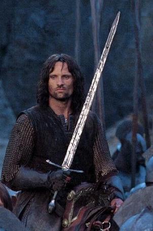 1 302x455 custom - Espada Narsil de Aragorn