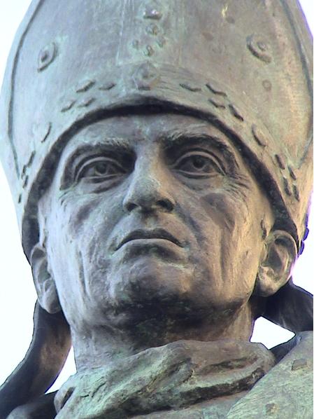 Escultura de Alonso Carrillo de Castilla - Espada Obispo de Castilla, siglo XV