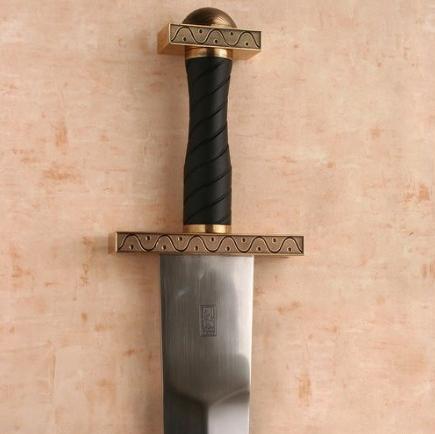 Espada nórdica pomo vikingo latón - Los Pomos de las Espadas Vikingas