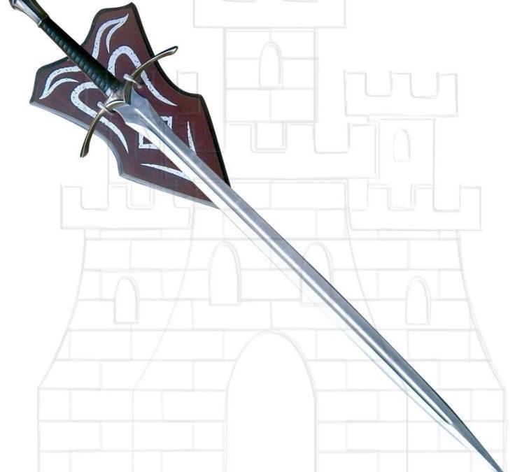 Espada fantástica con soporte 746x675 - Espada fantástica con soporte